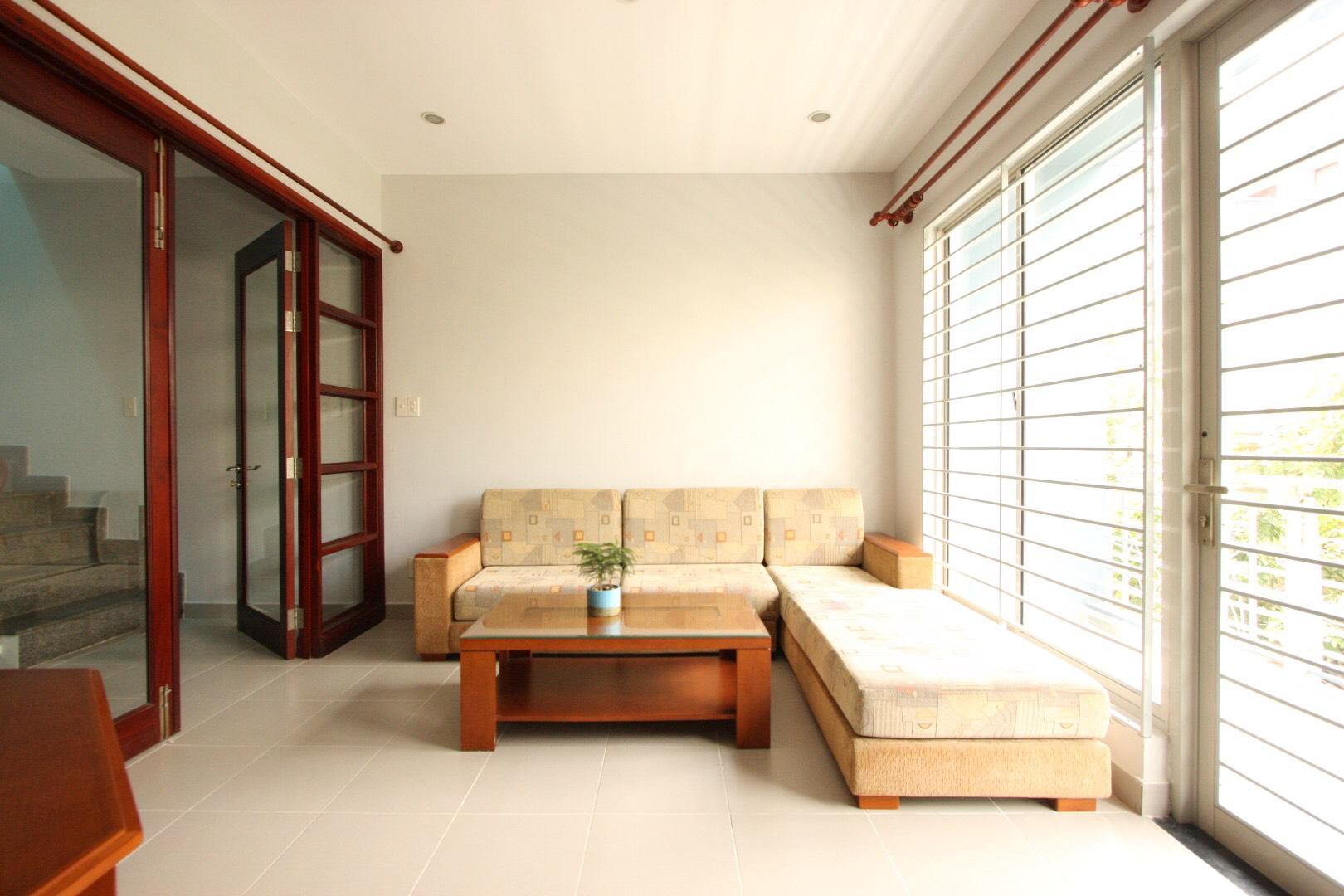 Thiết kế đơn gian, tối ưu hoá không gian với tông màu sáng