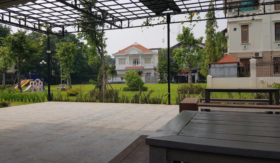 Bán biệt thự mặt tiền Nguyễn Văn Hưởng