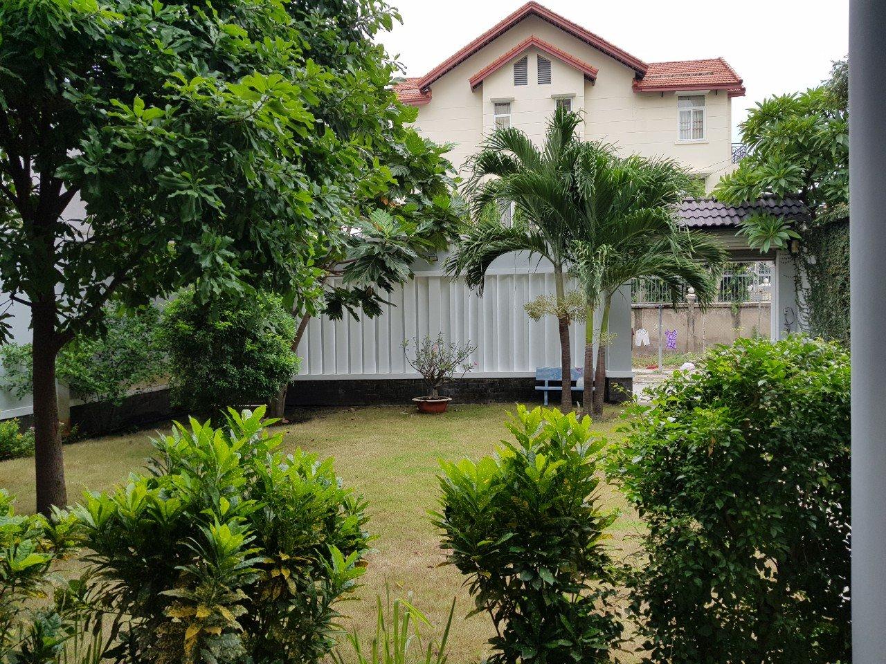Bán biệt thự đường 64 Thảo Điền sân vườn rộng, giá tốt